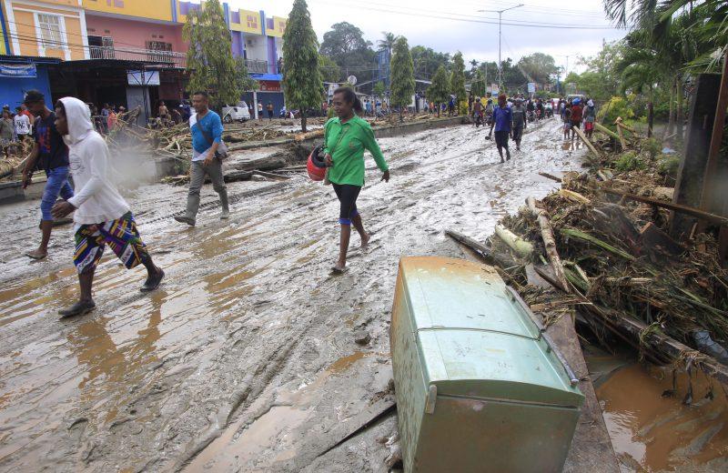 Embankment burst displaces over 400 residents of Kulon Progo