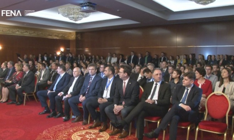 The best surgeons from BiH and countries of the region gather at symposium in Tuzla