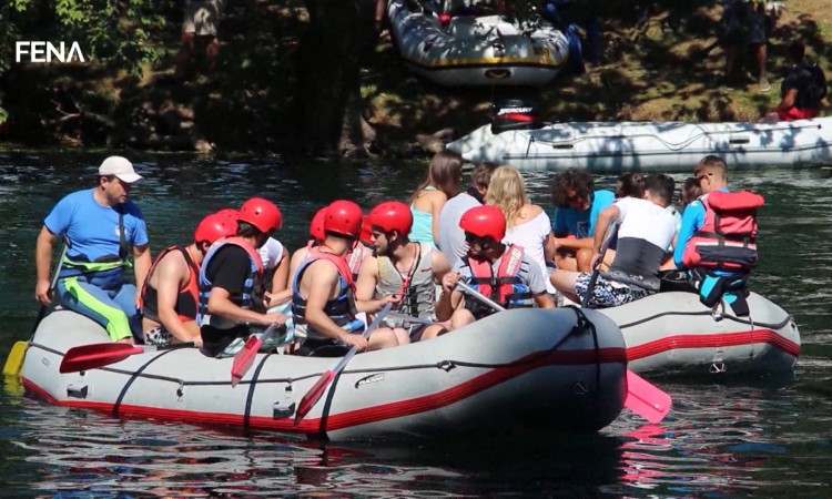More than 400 participants at this year's Una River Regatta