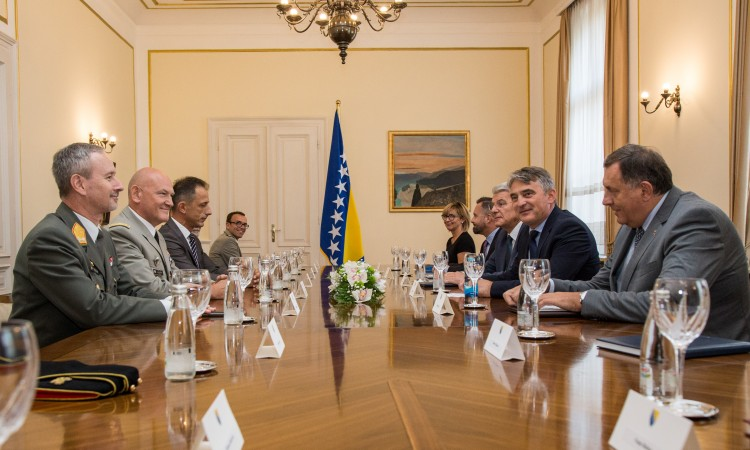 Members of the BiH Presidency receive Lieutenant General Rittimann