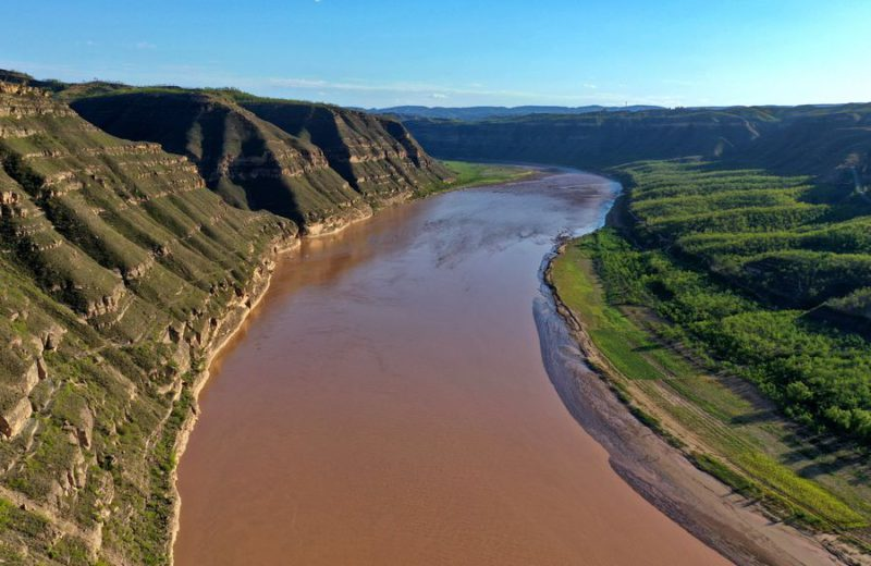 Yellow River flows on under protection, development