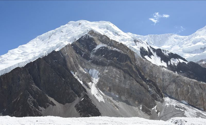 2 UK mountaineers rescued, 3 still trapped on Koyo Zom peak in KP