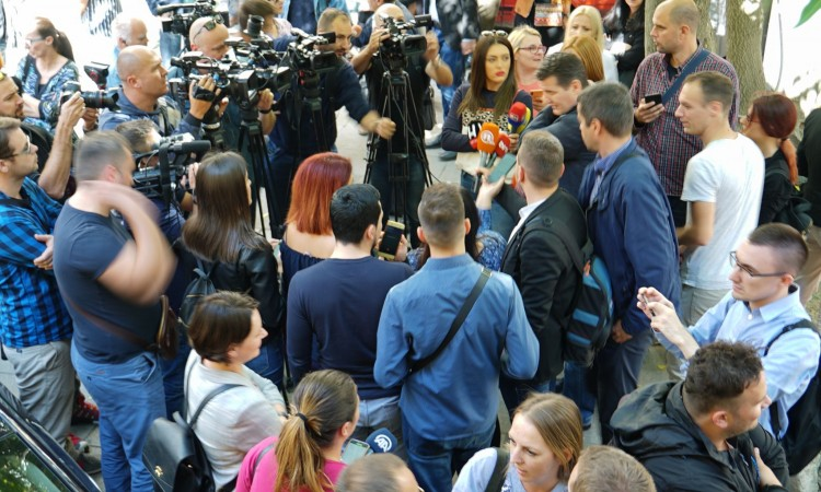 Protest held in Sarajevo over frequent attacks on journalists