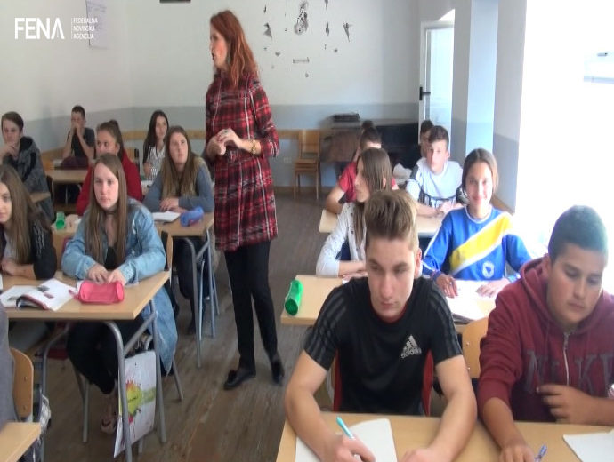 Children from Konjević-Polje still attend school in Nova Kasaba