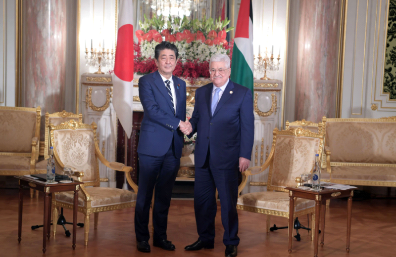 Abbas meets Abe discusses latest developments in region