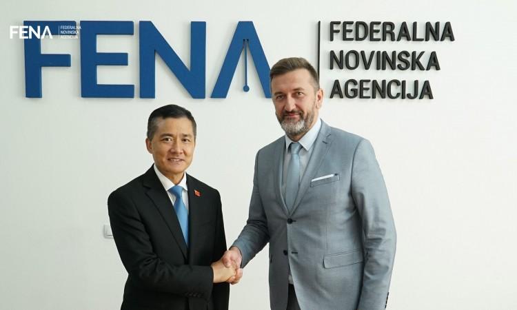 Ambassador of People's Republic of China Ji Ping visits FENA