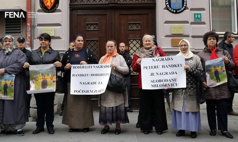 Nobel Prize Committee must acknowledge its mistake by rewarding Handke