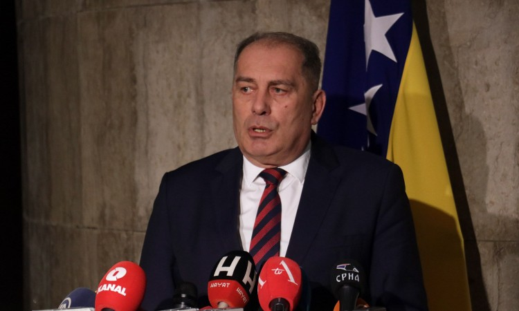 Mektić and Commissioner Mijatović discuss migrant situation