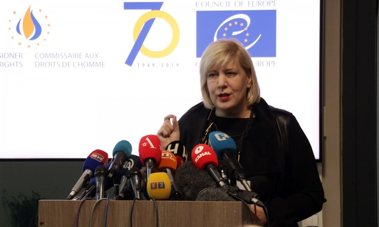 Mijatović: Equally share responsibility for hosting migrants and asylum seekers