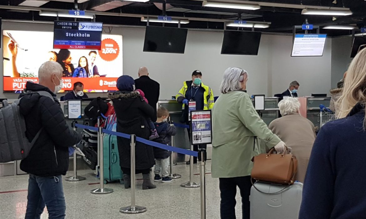 Plane with 82 BiH citizens from Stockholm arrives at Sarajevo Airport