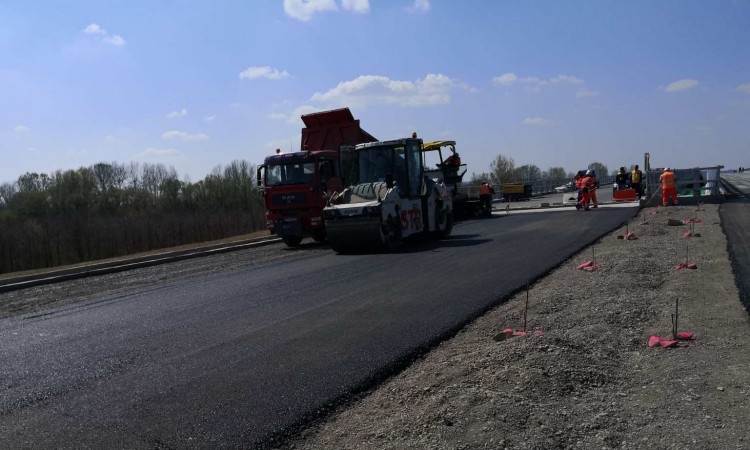 Svilaj Bridge over Sava River in the final stages of completion