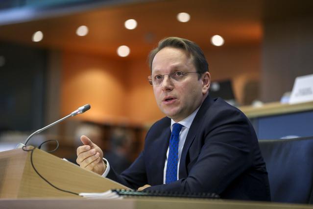 Varhelyi: EU risks mass migration from Western Balkans