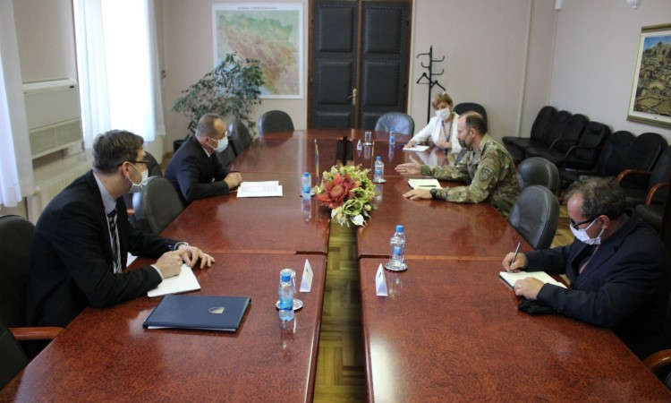 Minister Podžić meets with Commander of NATO headquarters in Sarajevo