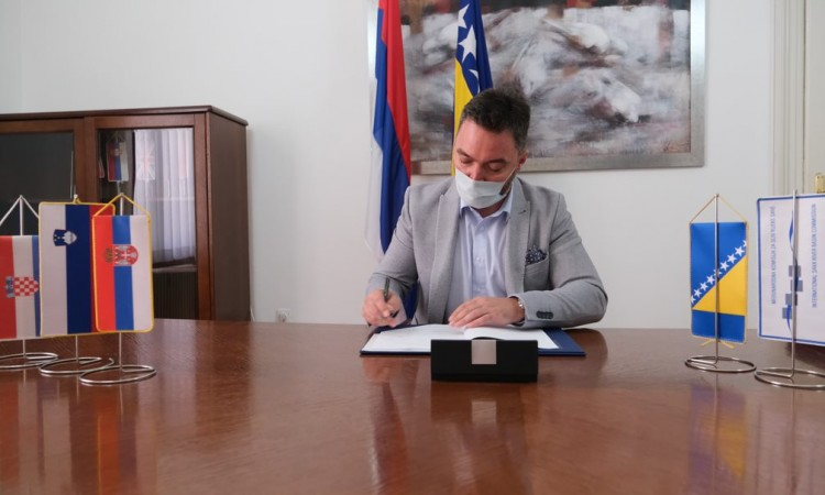 BiH signs a MoU on maintaining a flood warning system in the Sava River Basin