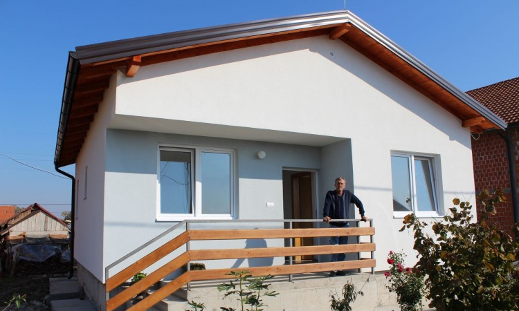 EU ensures housing for over 2,700 people and stable livelihoods for 204 families across BiH