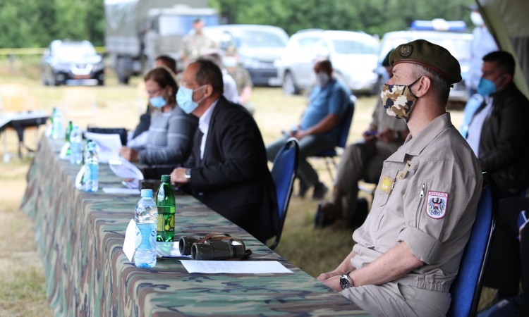 BiH ministers join EUFOR Commander at a demining site near Kalesija