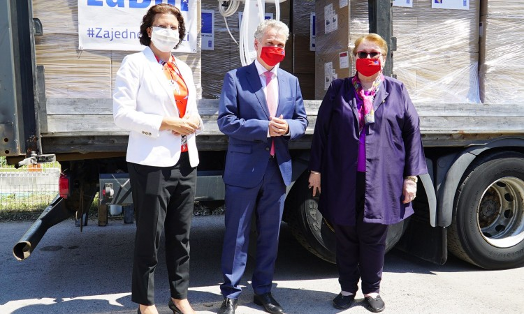 The EU delivers a new donation of medical equipment to BiH