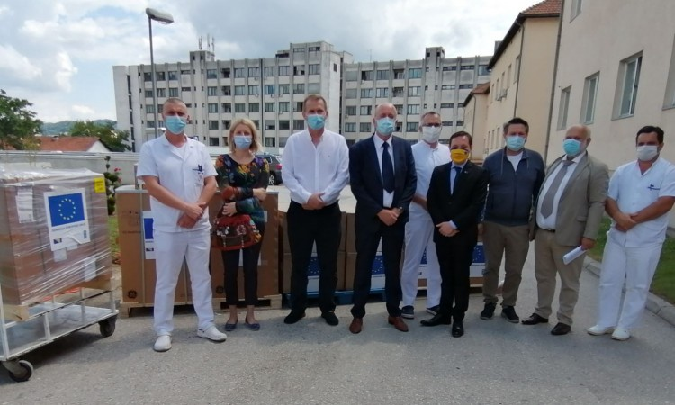 UCC Tuzla receives valuable EU donation in the fight against COVID-19