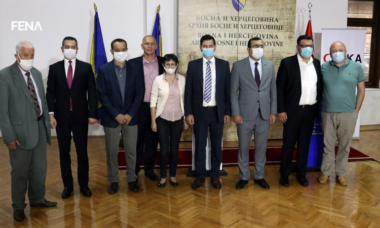 TIKA donates seven professional digitization scanners for the archives in BiH
