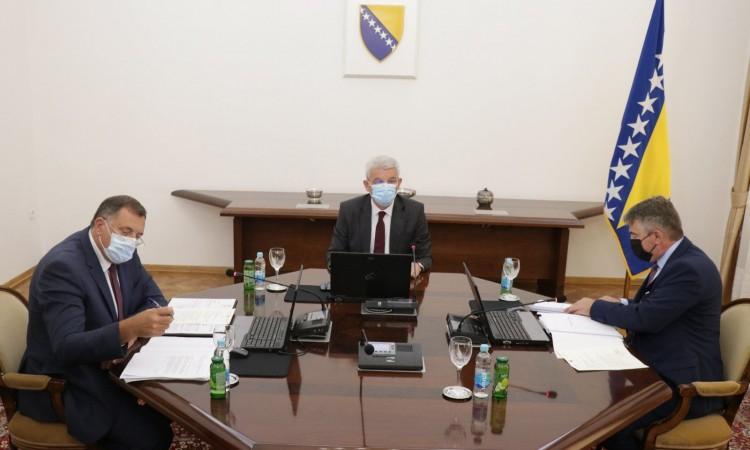 Komšić and Džaferović voted for the recognition of Kosovo, Dodik voted against