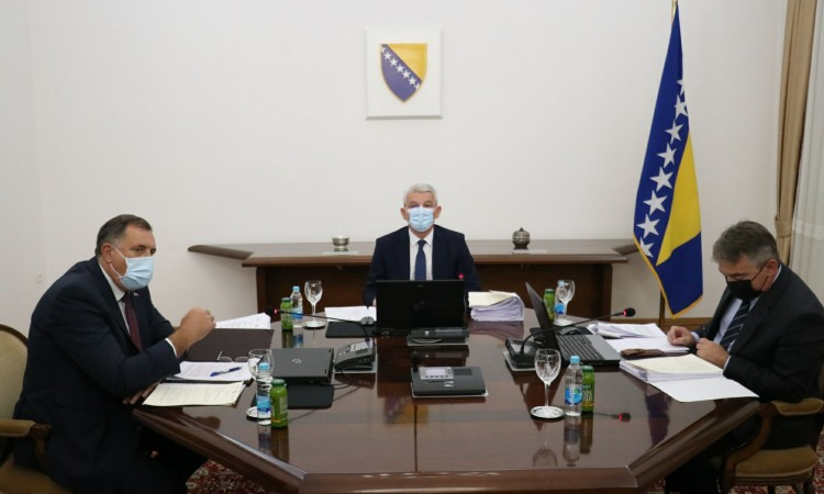 Kosovo's recognition question withdrawn from BiH Presidency session's agenda