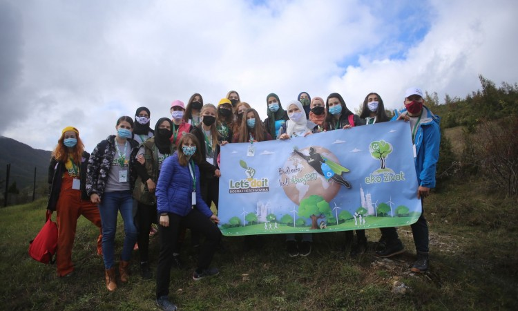 Volunteers plant 1,000 white pine seedlings on Mount Bjelašnica