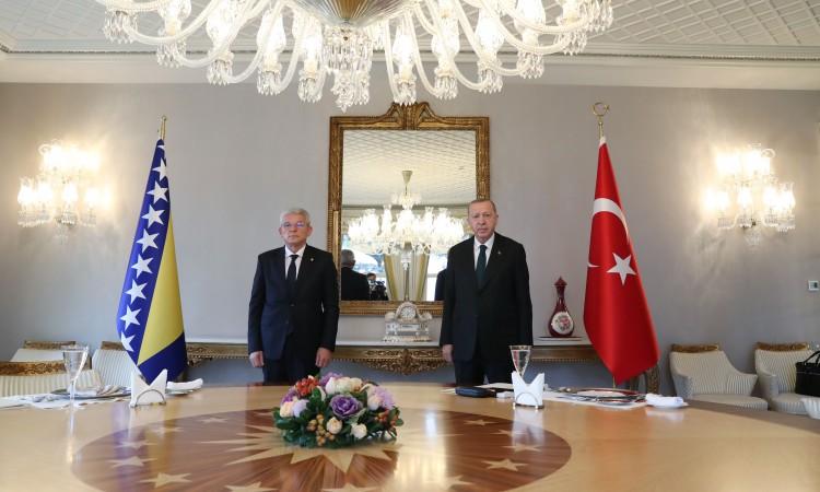 Džaferović: Turkey promises to help BiH procure Covid-19 vaccine