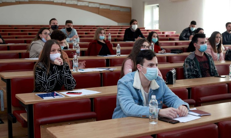 EWB: Young people want to live in a better atmosphere, in Mostar and in BiH
