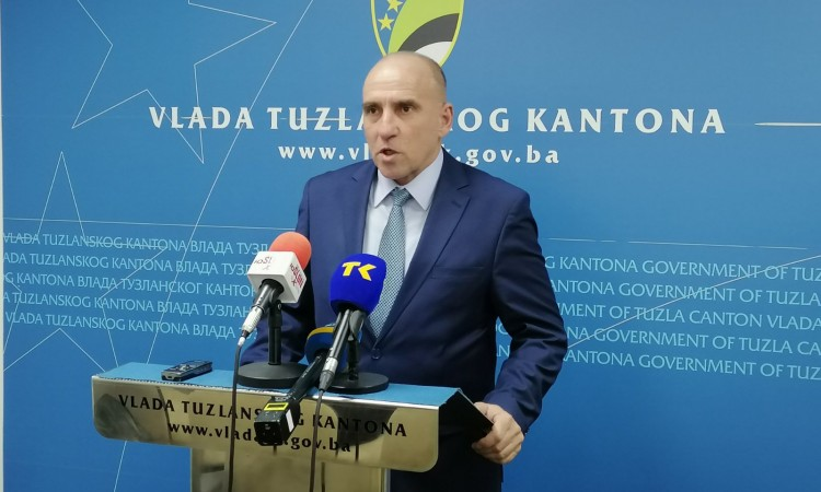 Tuzla Canton Prime Minister Denijal Tulumović submits his resignation