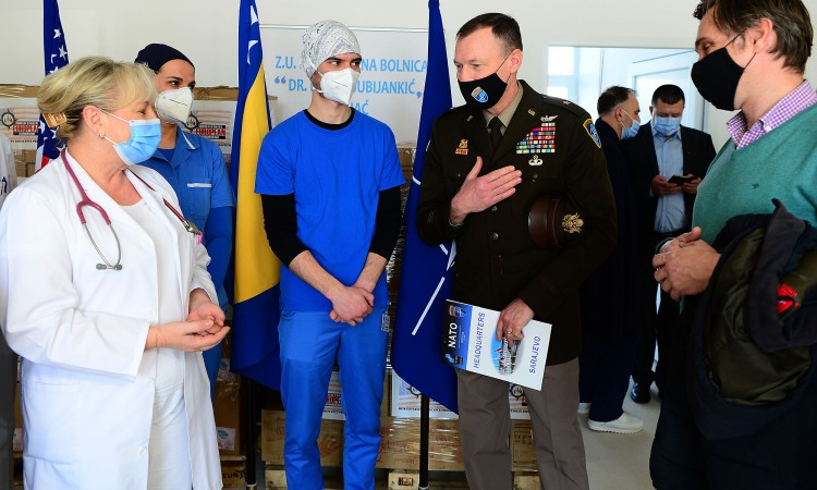 NATO and US Embassy hand over a donation to the hospital in Bihać
