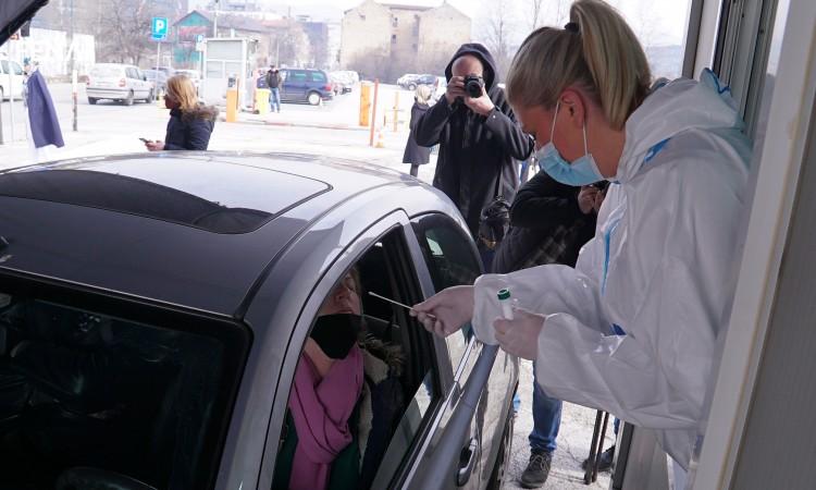 The first drive-through coronavirus testing site opens in Sarajevo