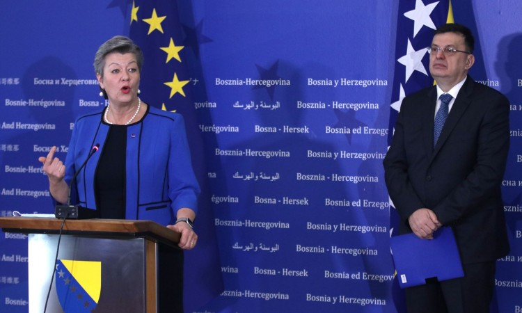 Tegeltija and Johansson agree that migration must be managed