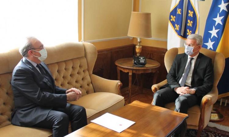 BiH Presidency member Džaferović receives Ambassador Koç in a farewell visit