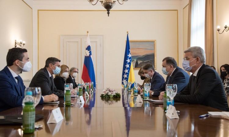 Slovenia has decided to donate 4,800 doses of the AstraZeneca vaccine to BiH