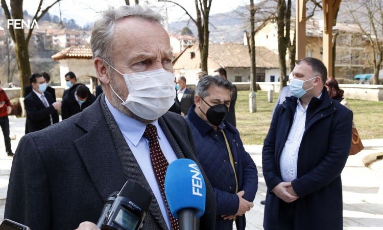 Izetbegović: We are asking EU for help in procuring vaccines we paid for