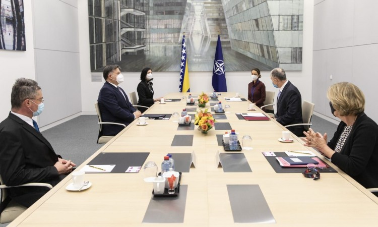 Brkić and Geoana discuss cooperation between BiH and NATO at a meeting in Brussels