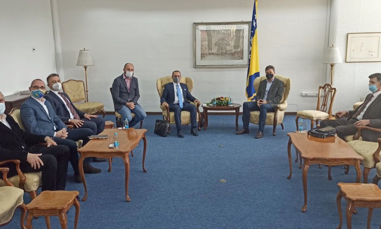 Novalić speaks with Celik about modernizing the health sector in FBiH