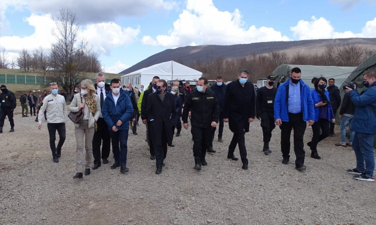 Cikotić: The migrant settlement in Lipa will be built within three months