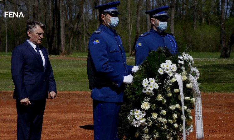 Komšić: Jasenovac, like any other emergence of evil, carries global importance