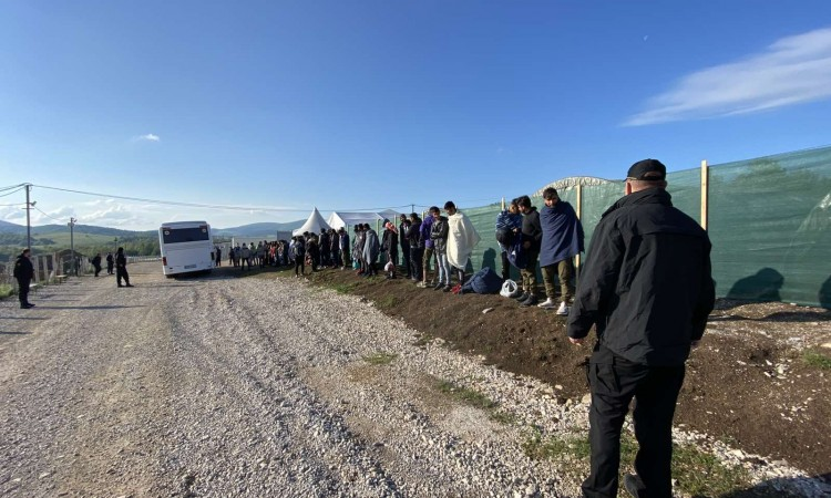 Sixty-two migrants relocated from downtown Bihać to Lipa reception center