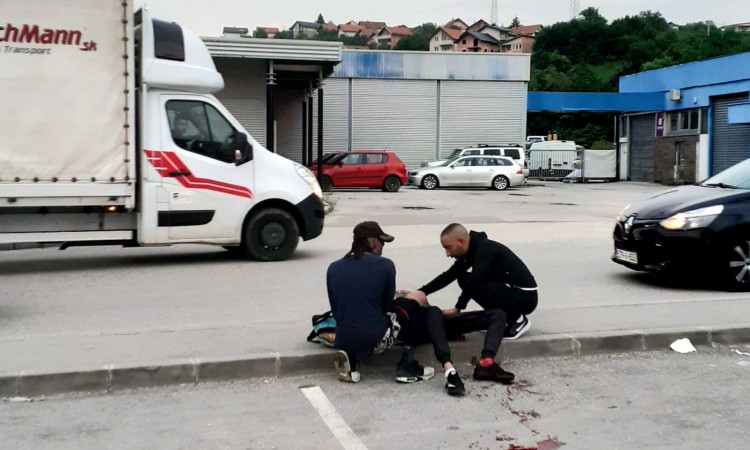 A migrant who suffered injuries in a brawl in Vogošća last night has died