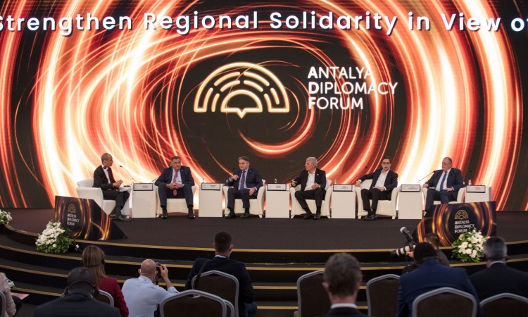 Regional cooperation in focus of plenary session of the Antalya Diplomacy Forum