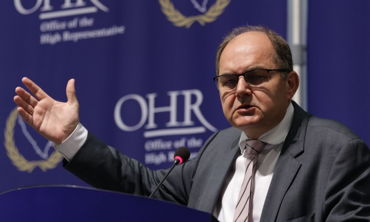 Schmidt: Those who want to be part of the EU must respect European directives