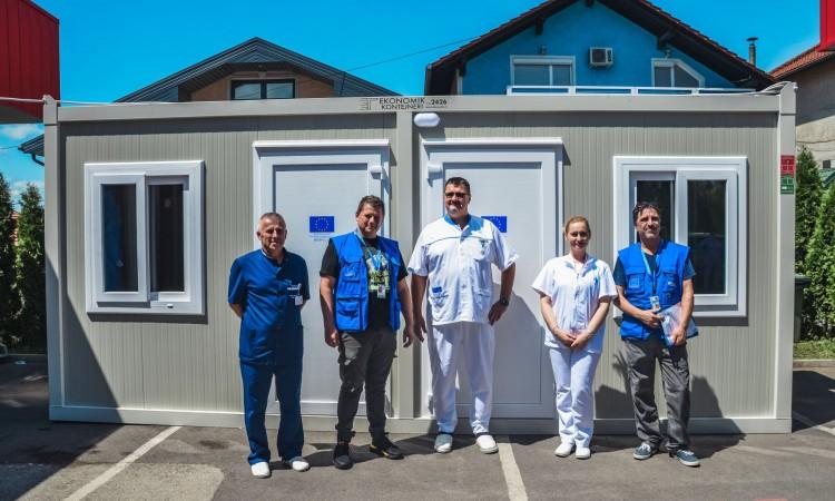 EU and IOM donate five containers for Covid-19 screening to Bihać and Velika Kladuša