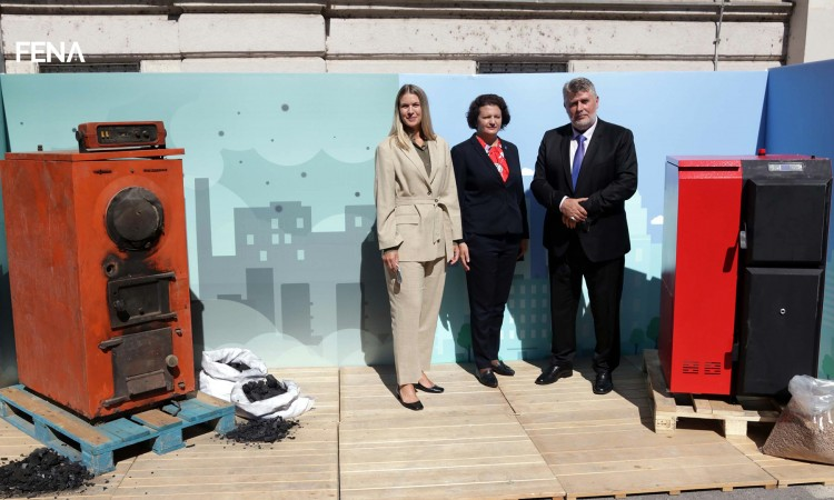 Agreements on coal furnaces replacement signed in the Sarajevo Canton to tackle air pollution