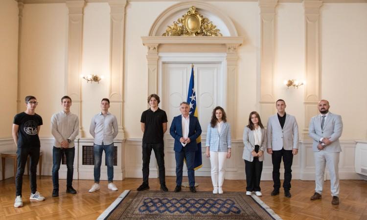 Chairman Komšić receives the BiH robotics team and promises his support
