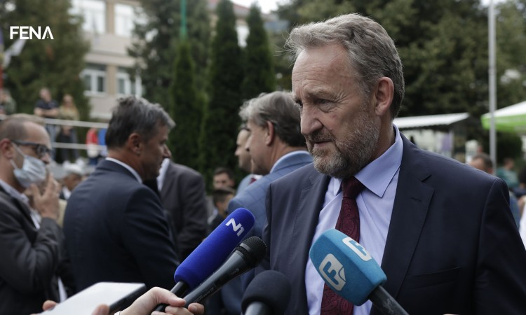 Izetbegović: We only expect Serbia to leave BiH and its defenders be in peace