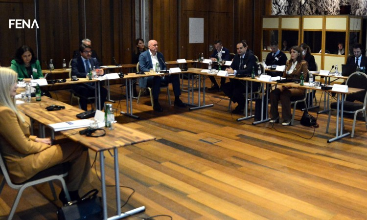 Strengthen cooperation on prevention of radicalization in the prison environment